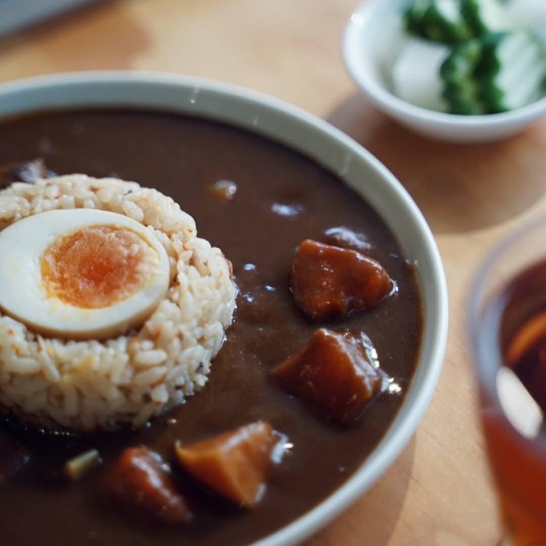 休習日暖胃。咖哩料理包